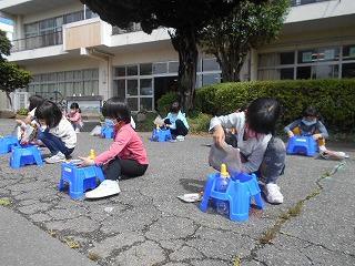 5月27日(水) 1年生 アサガオ・サツマイモ・図書館指導